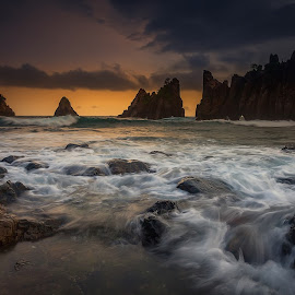 Sunset in Kelumbayan by Irawan Fotonesia - Landscapes Waterscapes ( #fotonesia )