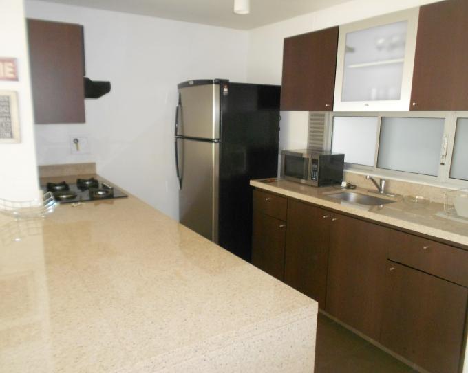 apartamento en arriendo poblado 585-2771