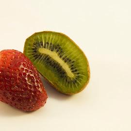 strawberry with kiwi by LADOCKi Elvira - Food & Drink Fruits & Vegetables ( kiwi, fruits, strawberry )