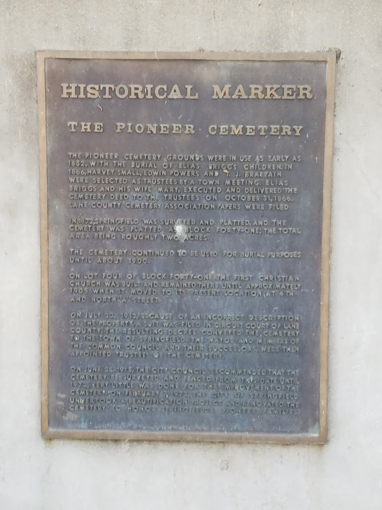 The plaque reads