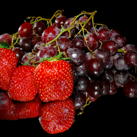 grape with strawberry by LADOCKi Elvira - Food & Drink Fruits & Vegetables ( grape )