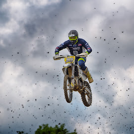 Clumps In The Air by Marco Bertamé - Sports & Fitness Motorsports ( flying, motocross, speed, clumps, air, number, high, 26, race, noise, jump )