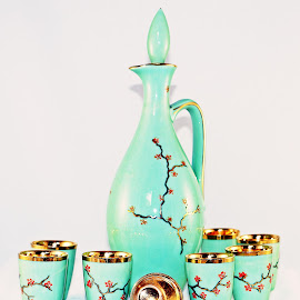 by Leon Neal - Artistic Objects Cups, Plates & Utensils