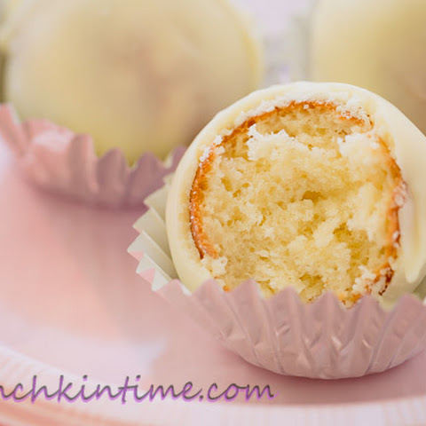 Easy Vanilla Cake Pops Recipe for Babycakes Cake Pops Maker