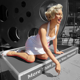 Marilyn by Michael Villecco - Artistic Objects Other Objects (  )