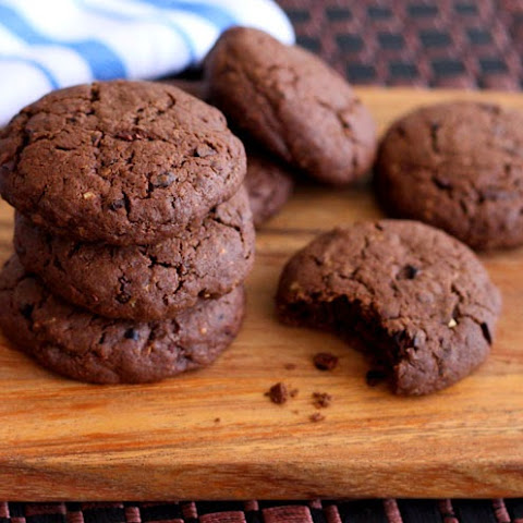 Cocoa-Cocoa Nib Wheat Cookies