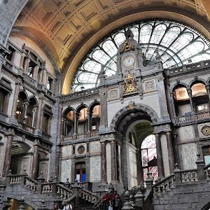 Antwerp train station.jpg
