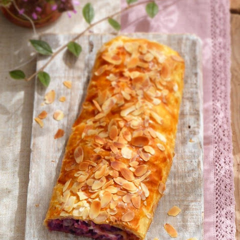 Red Cabbage And Cheese Strudel