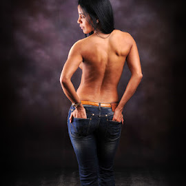 S shape by Phillip Van Zyl - Nudes & Boudoir Artistic Nude ( studio, bouquet, nude, beautiful, jeans, back )
