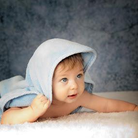 by Benoit Beauchamp - Babies & Children Child Portraits
