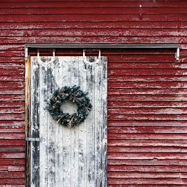 Weathered Barndoor by Gary Lura - Buildings & Architecture Other Exteriors ( barndoor, door, wreath, rustic, country, weathered )