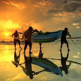 Morning Support by I Gusti Putu Purnama Jaya - Landscapes Sunsets & Sunrises ( yuditia mendra )