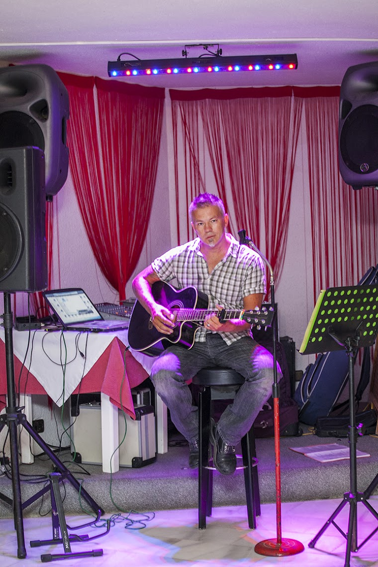 LIVE MUSIC - ENTERTAINMENT ALL YEAR ROUND !!!