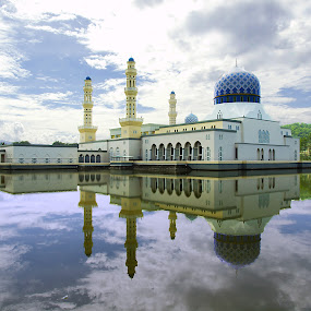 Masjid Likas by Mohd Shahrizan Taib - Buildings & Architecture Places of Worship