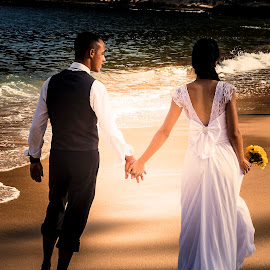 Love by Emidio Matos Mercante - Wedding Bride & Groom ( love, dress, wedding, matos, emidio, trash, couple, beach, the, photography )