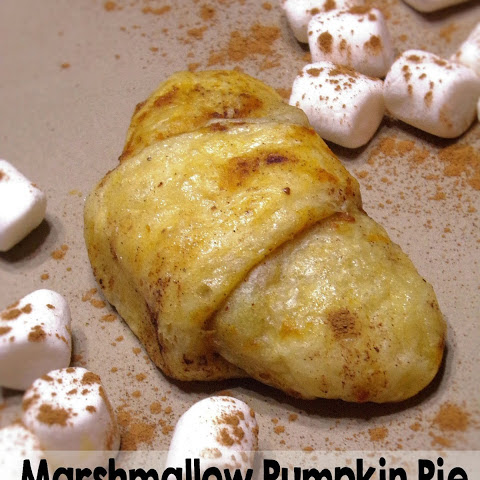 Marshmallow Pumpkin Pie Crescent Rolls! So Delicious!