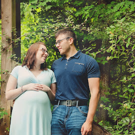 by Leann Smith - People Maternity