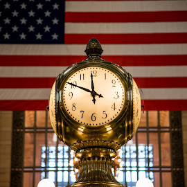 by Tomek Karasek - Artistic Objects Technology Objects ( time, clock, grand central )