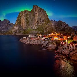by Roy Poots - Landscapes Mountains & Hills ( noorwegen, ballstad, hamnoy, reine, aurora borealis, northern lights )