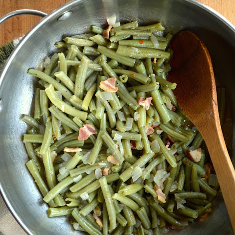 Long-Cooked Green Beans with Onions & Bacon
