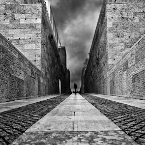 Moments by Jorge Maia - City,  Street & Park  Street Scenes ( street, bw, people )