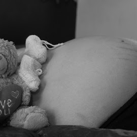 Love the unborn by Gunnar Sigurjónsson - People Maternity (  )