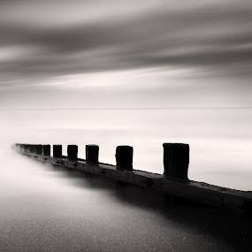 Breakwater by Jeremy Farrance - Landscapes Waterscapes