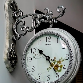 time by Mohsin Raza - Artistic Objects Other Objects