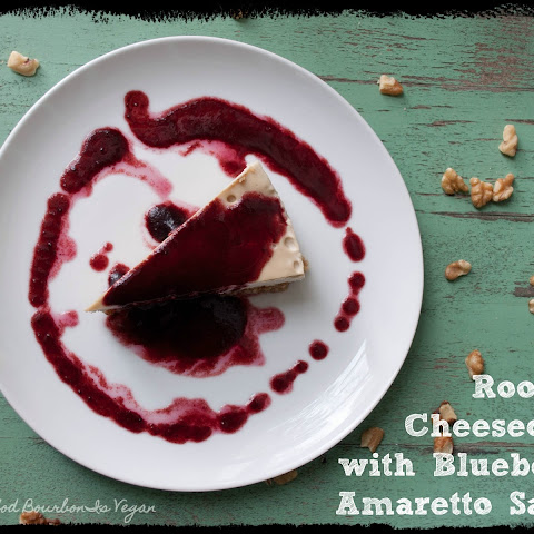 Rooibos Cheesecake with Blueberry Amaretto Sauce