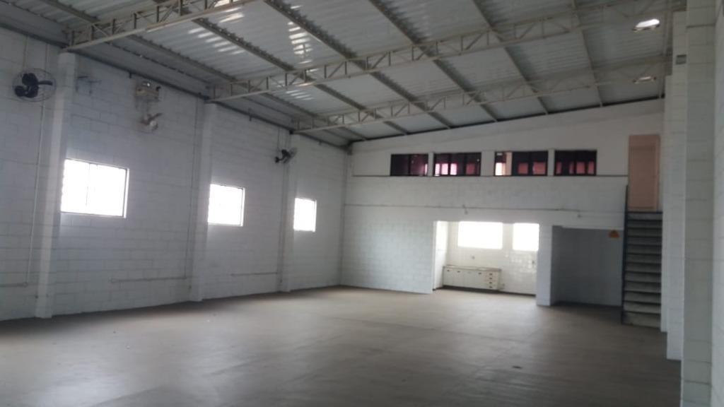 Barracão para alugar, 220 m² por R$ 4.500/mês