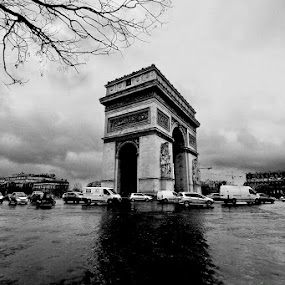 omage a... by Boris Jakesevic - Buildings & Architecture Public & Historical ( paris, arc de triomphe, bw, france, travel, architecture )