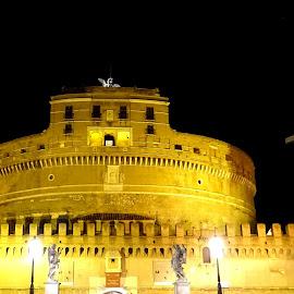 Castel Sant'Angelo di notte by Patrizia Emiliani - Buildings & Architecture Public & Historical ( notte, roma, castel sant'angelo )