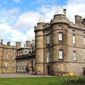 Holyrood Palace by Jackson Visser - Buildings & Architecture Public & Historical ( scotland, edinburgh, royal, palace, king )