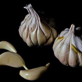 Garlick-ing by Pradeep Kumar - Food & Drink Fruits & Vegetables