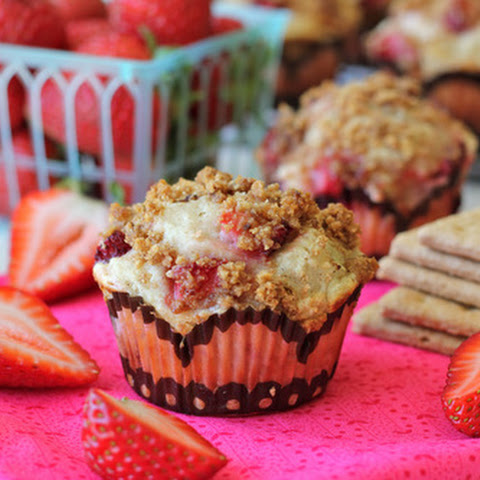 Strawberry Cheesecake Graham Cracker Muffins