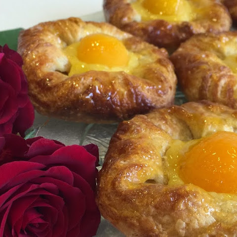 Apricot Anglaise Danish {Recipe & Tutorial}