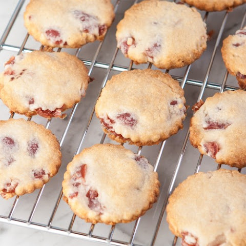 Amaretto Cherry Shortbread Cookies