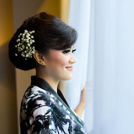 Im Ready by Arsyil  Tanjung - Wedding Getting Ready ( wedding, getting ready, bride, women, people )