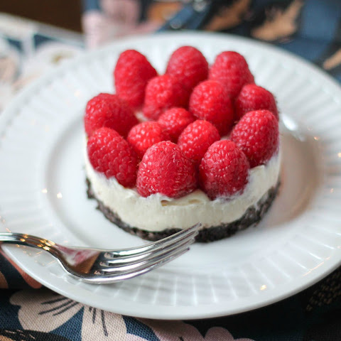No Bake Vanilla Raspberry Cheesecake
