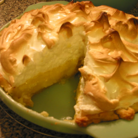 Tasty Homemade Lemon Meringue Pie