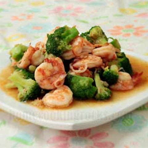 Shrimp and Broccoli in Spicy Oyster Sauce