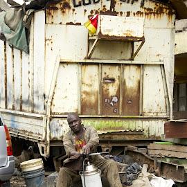 Nairobi Men by Chiara Maioni - People Portraits of Men