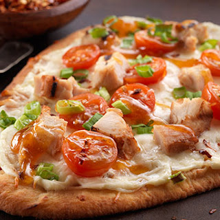 Sweet Chili Chicken and Cheese Naan Pizza