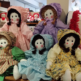 Amish Dolls by Rita Goebert - Artistic Objects Other Objects ( amish dolls; intercourse, pennsylvania; )