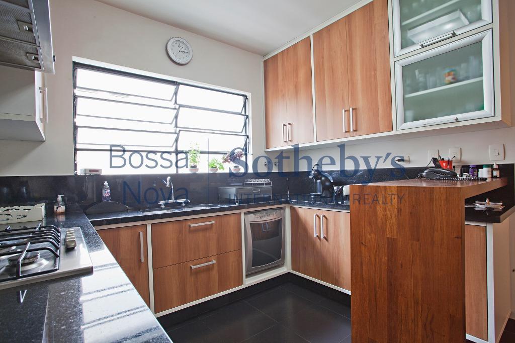 Amplo apartamento em excelente localização