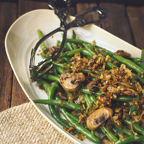 Sautéed Green Beans with Mushrooms and Caramelized Leeks {gluten-free and vegan}