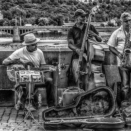 Prague Band by Adam Lang - People Musicians & Entertainers ( band, buskers, black and whitem, prague, charles bridge )