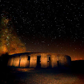 Stonehenge by Launa Bodde - Landscapes Travel