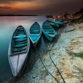 Tocantins River by Dante Laurini Junior - Transportation Boats ( water, tocantins, maranhão imperatriz chapada das mesas fabiane, sunset, são luiz maranhão* maranhão, boat, tecwall maranhão lastro* maranhão* maranhão* maranhão, river )