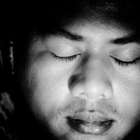 A Self Portait by Nizam Muhamad - People Portraits of Men ( music, personal, black and white, eyes closed, listening, drama, portrait, man )